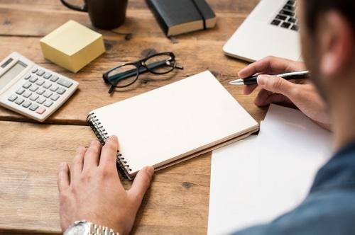 redactar articulos y notas de prensa